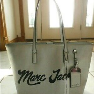 💯Authentic MARC JACOBS Logo 🏷 Tote 👜  Metallic